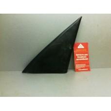 Заглушка зеркала треугольная правая черная б/у
