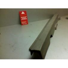 Накладка порога передней левой двери внутренняя б/у